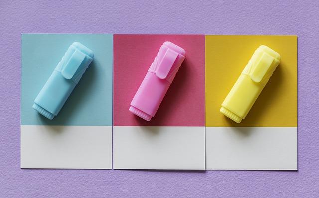 3色のマーカー