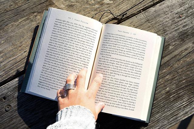どのような形式で本の紹介をするか?