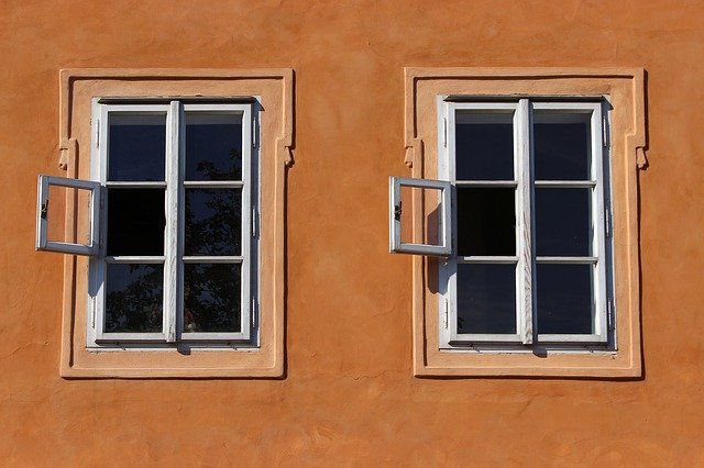 2つの同じ窓
